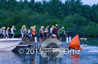 70.3 Isla Ratones 2015 tirandose